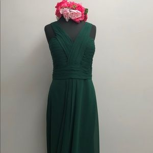 Mary's dress. Style M1825 Size :24 Color: Hunter.